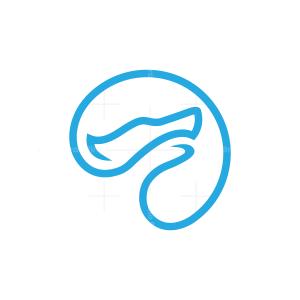 Circle Wolf Logo