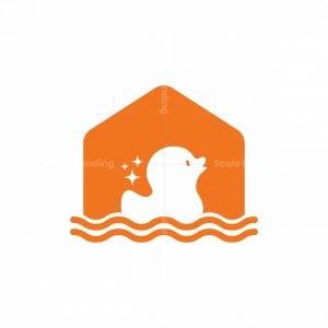 Duck House Logo