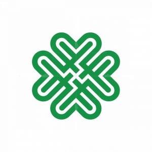 Luxury Clover Knot Logo