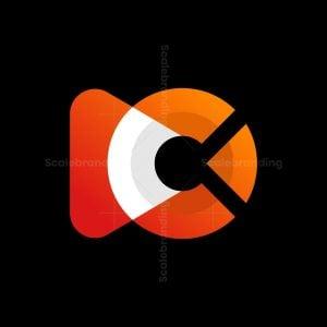 C Media Play Logo