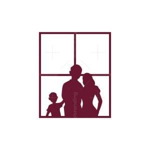 Family Real Estate Logo