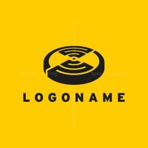 Labyrinth Poker Chip Logo